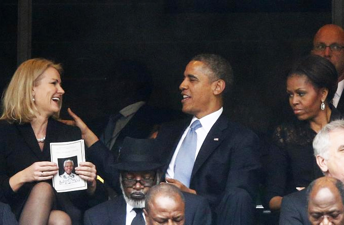 obama-forced-to-switch-seats2
