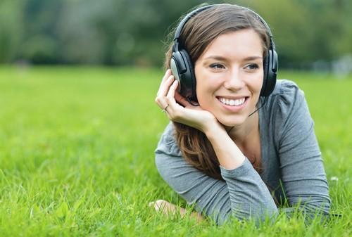listen t music