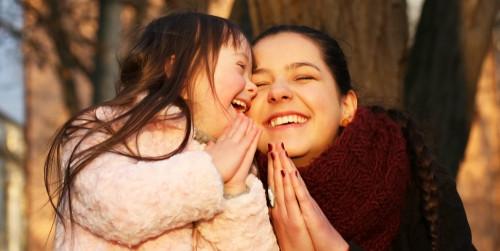 mother-teaching-daughter-to-pray