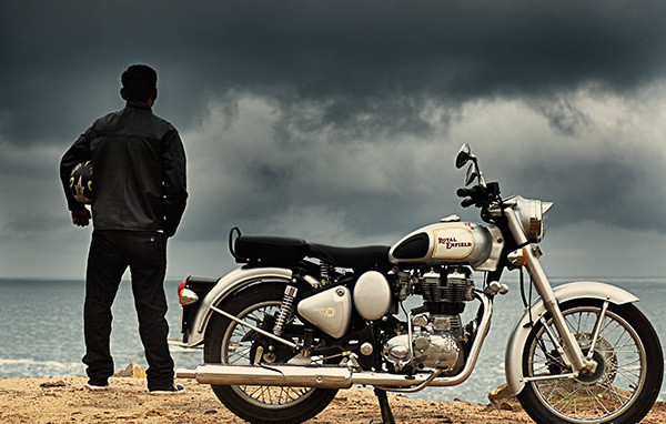 biker-royal-enfield-classic-350