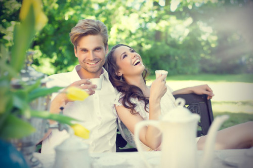 smiling-couple-in-love