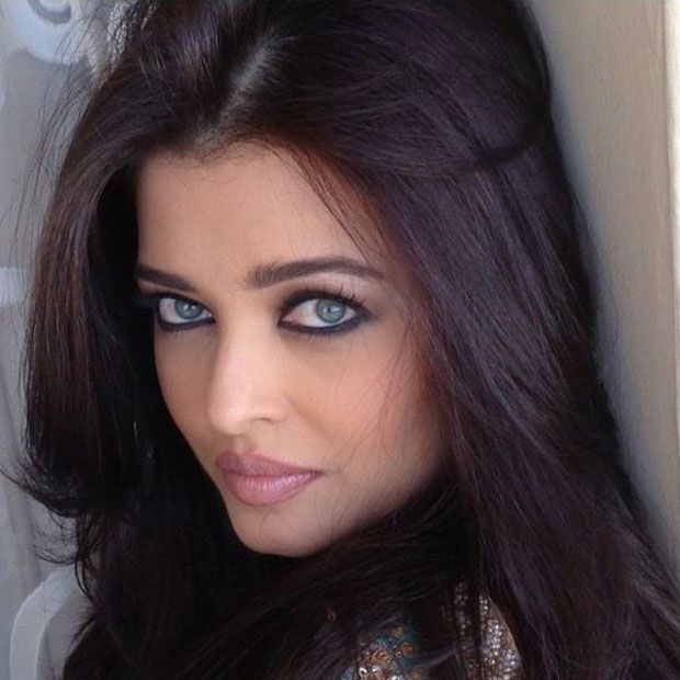 aishwarya_rai_khurki.net