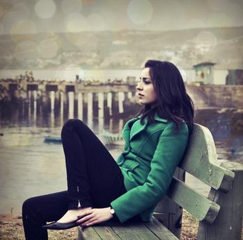 girl_waiting