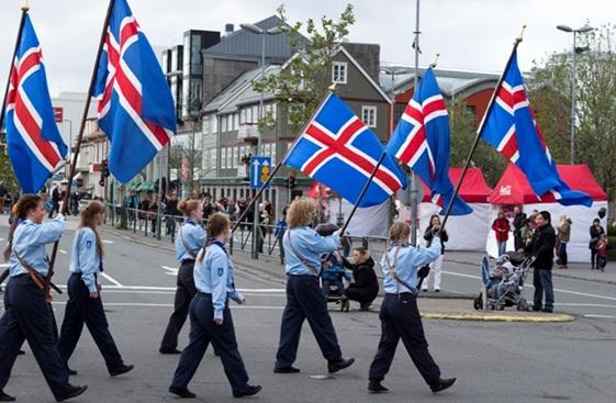 Myndasafn - Iceland Review