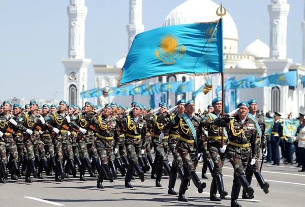 Kazakhstan Parade_khurki.net