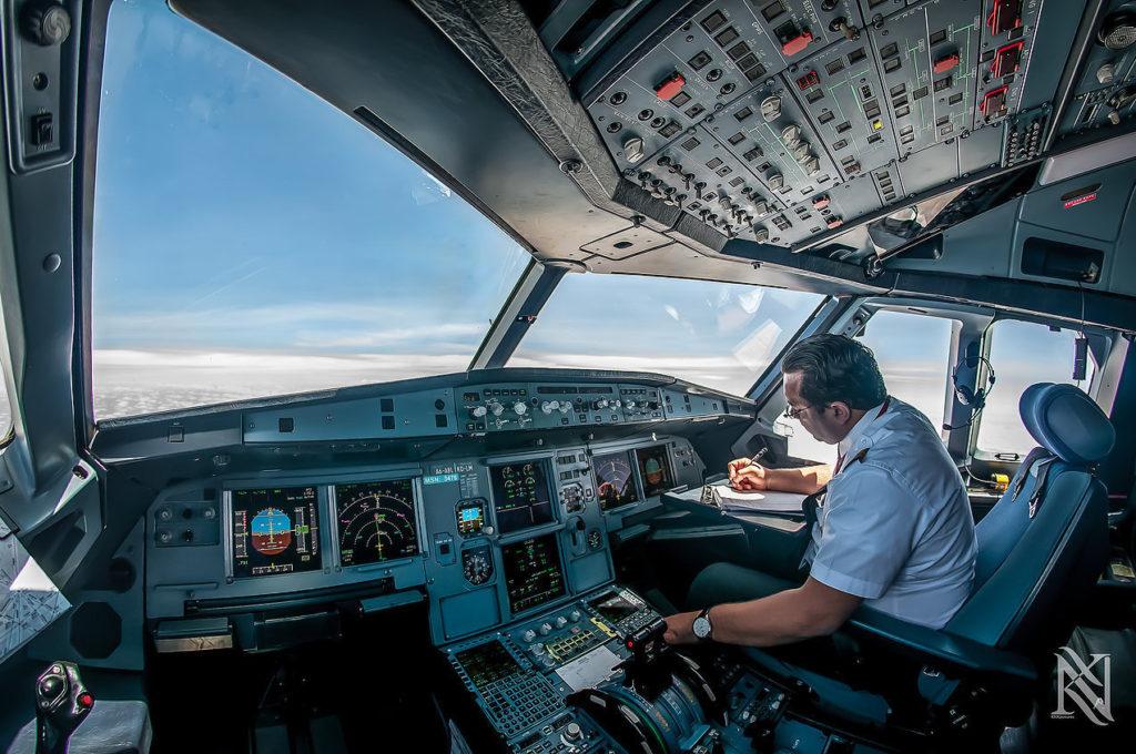 cockpit18-khurki-net